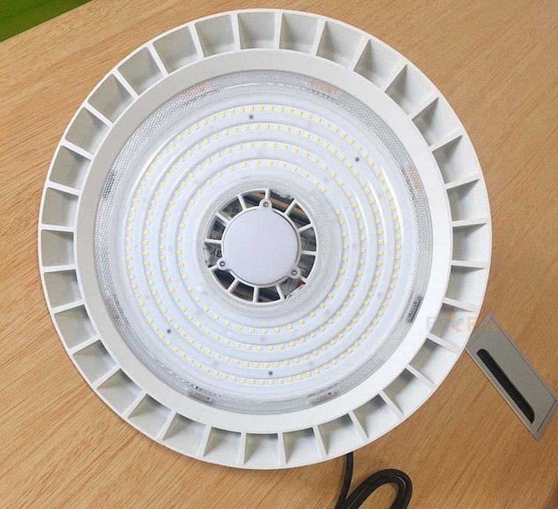 trắng UFO LED ánh sáng bay cao