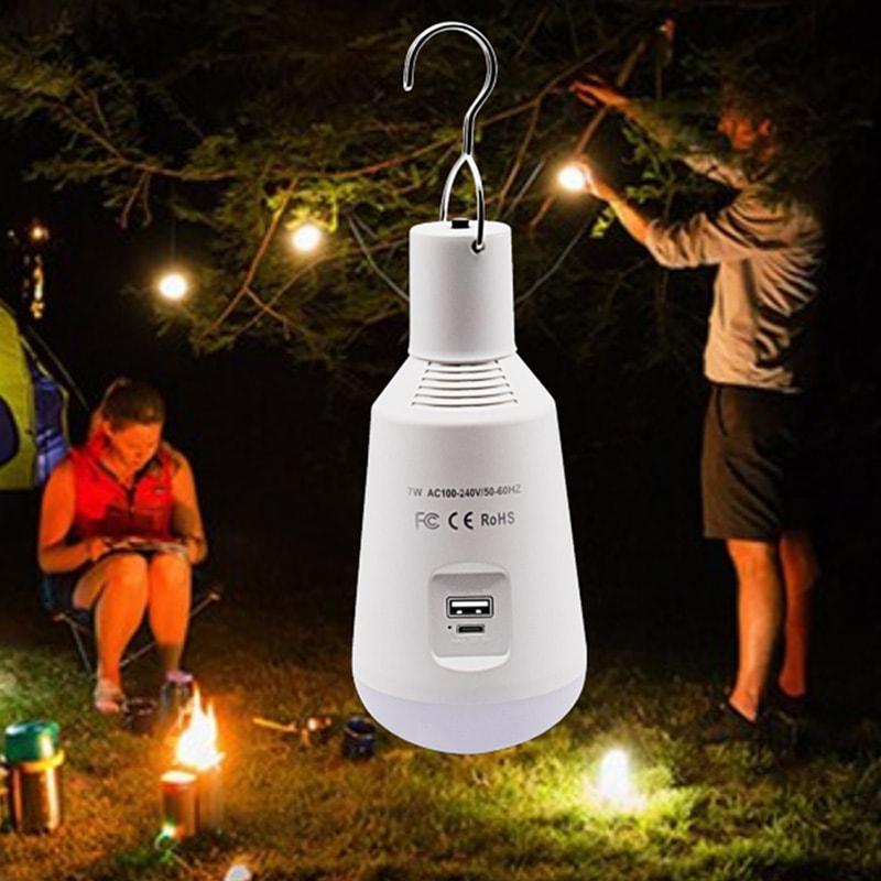 lampadina da campeggio all'aperto